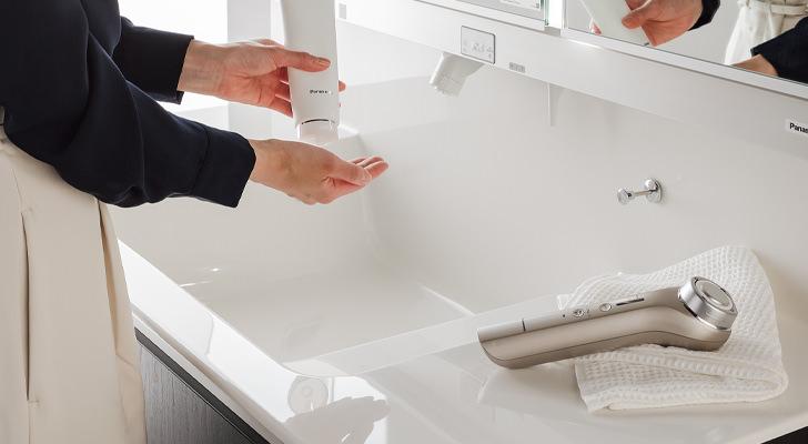 歯ブラシやタオルなどを一時置きすることが多いカウンターは抗菌加工部材が選べます