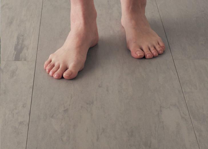 熱に強く、床暖房の仕上げ材にも使える。