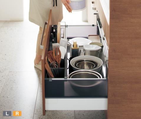 フロアユニット:「立てて」「仕切って」収納効率アップ。ステンレスの底板でお掃除しやすい。※1