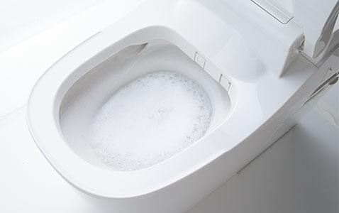 たっぷりの泡のパワーでしっかり洗う。